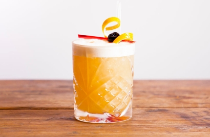 amaretto-sour-cocktail